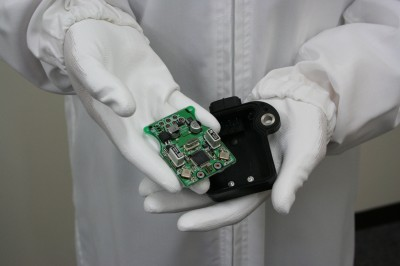 クルマ用電子センサー電子精密部品の製造